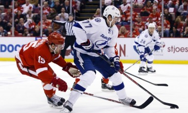 Lightning Win Game Seven, Move On to Play Canadiens in Round 2
