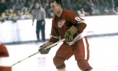 50 Years Ago in Hockey - Wings Whip Hawks