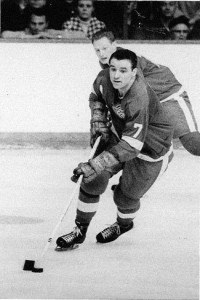 Norm Ullman - two goals in five seconds.