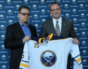 May 28, 2015; Buffalo, NY, USA; Buffalo Sabres general manager Tim Murray (left) and head coach Dan Bylsma hold a jersey at a press conference at the First Niagara Center. Mandatory Credit: Kevin Hoffman-USA TODAY Sports