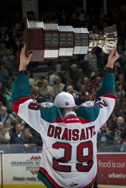 (Marissa Baecker/ Shoot The Breeze) Another angle of Draisaitl celebrating with the Ed Chynoweth Cup after leading Kelowna and tying for first overall in WHL playoff scoring with 28 points in 19 games.