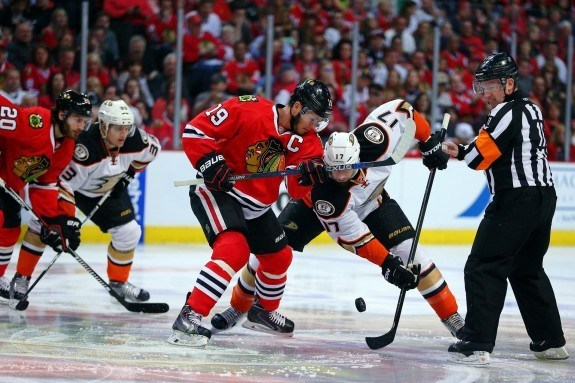 Chicago Blackhawks center Jonathan Toews (19) and Anaheim Ducks center Ryan Kesler (17) battle for the starting face-off during the first period in game four of the Western Conference Final of the 2015 Stanley Cup Playoffs at United Center.(Dennis Wierzbicki-USA TODAY Sports)