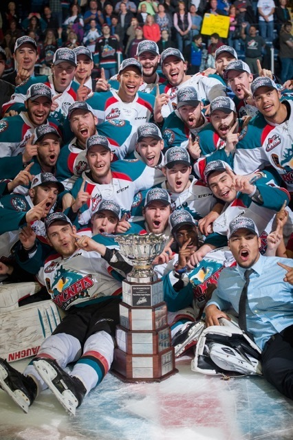 (Marissa Baecker/Shoot The Breeze) The Kelowna Rockets pose with the Ed Chynoweth Cup after winning the WHL championship by sweeping the Brandon Wheat Kings. Today, the Rockets open the Memorial Cup tournament against the host Quebec Remparts.