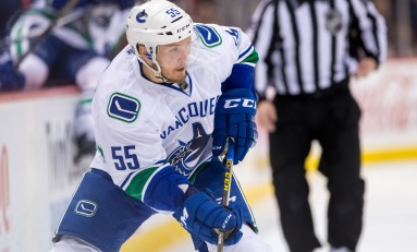 Report: Canucks Give Alex Biega Extension