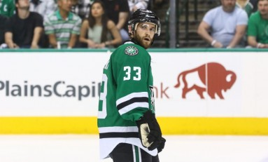 Arizona Coyotes Sign Alex Goligoski