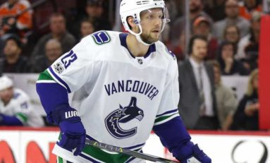 Alex Edler Re-Signs With Vancouver Canucks