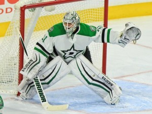 If Lehtonen can stay on track and Niemi can bounce back from a poor effort Tuesday, the Stars goaltending tandem might be back in full swing at just the right time. (Amy Irvin / The Hockey Writers)