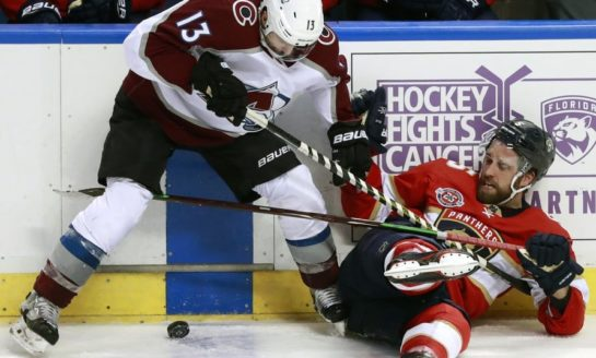 Avalanche Past Panthers - Soderberg Scores Twice