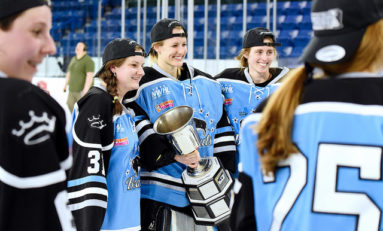 Beauts Re-Sign Goalie Neumann