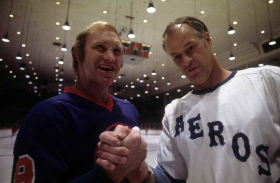 Bobby Hull of the Winnipeg Jets and Gordie Howe of the Houston Aeros (1976)
