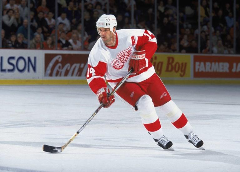 Brendan Shanahan #14 of the Detroit Red Wings