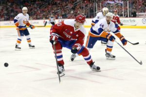 Brett Connolly and Calvin de Haan (Geoff Burke-USA TODAY Sports)