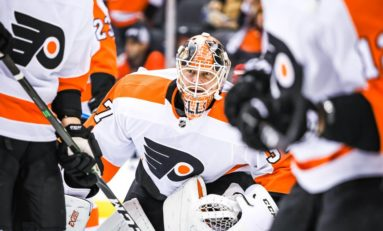Elliott Gets 40th Shutout in Flyers' 3-0 Win Over Red Wings