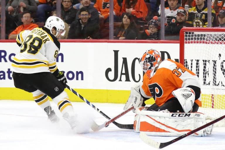 Brian Elliott Flyers David Pastrnak Bruins