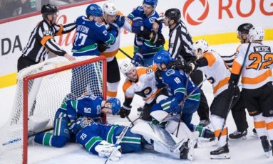 Canucks Dominate Slumping Flyers