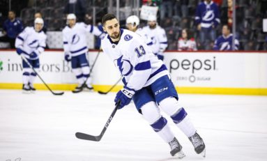 Lightning Get 2 Shorthanded Goals, Beat Sabres 5-2
