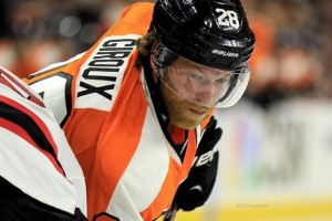 Giroux hasn't gotten a point in six games for the Flyers(Amy Irvin / The Hockey Writers)