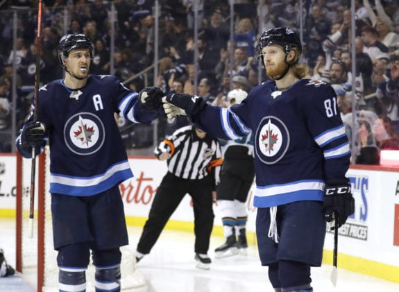 Winnipeg Jets Kyle Connor Mark Scheifele