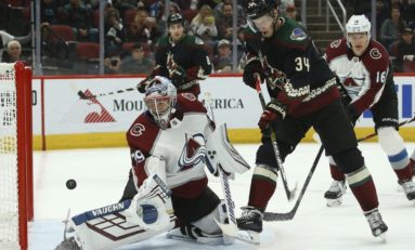Coyotes' Soderberg Thriving Despite Blindness in Left Eye