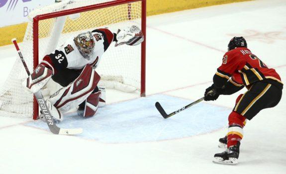 Arizona Coyotes Antti Raanta Calgary Flames Garnet Hathaway