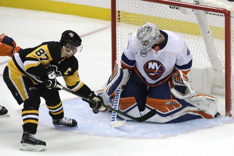 Sidney Crosby, Robin Lehner