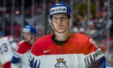 Kubalik Eyes Dream Debut as Blackhawks Play Flyers in Prague