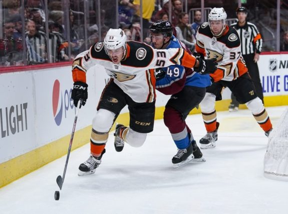 Anaheim Ducks Max Comtois (AP Photo/Jack Dempsey)