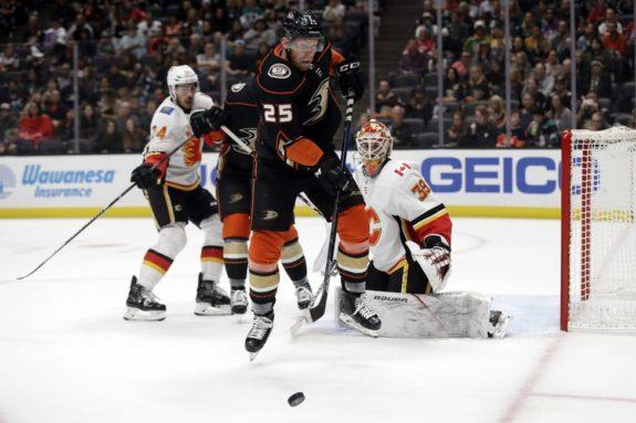 Anaheim Ducks' Ondrej Kase Calgary Flames Cam Talbot