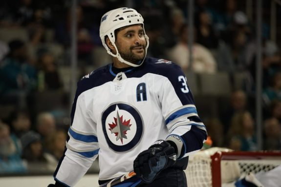 Jets defenseman Dustin Byfuglien