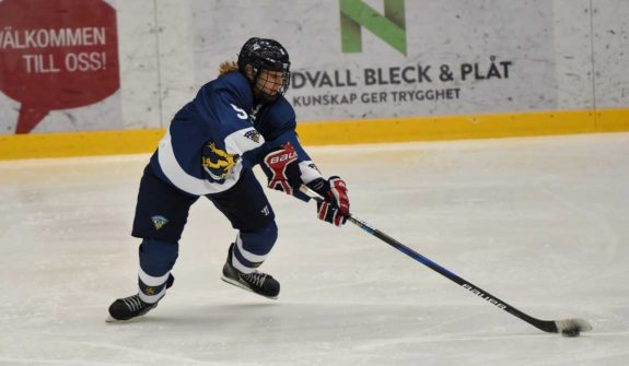Elli Makela Team Finland