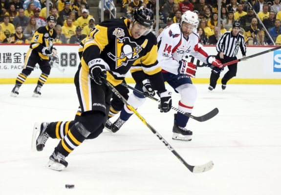 Evgeni Malkin, Justin Williams, Pittsburgh Penguins, Washington Capitals