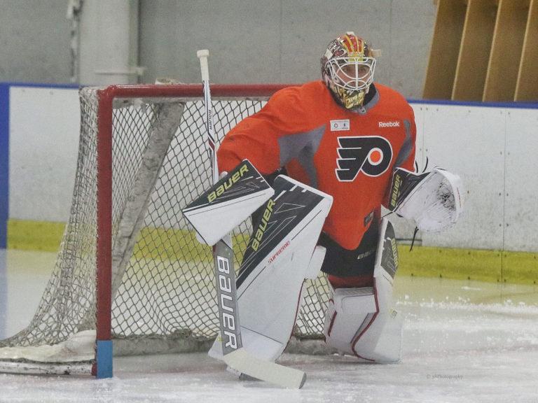 Felix Sandstrom, Philadelphia Flyers