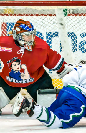 Riveters Re-Sign All Three Goalies