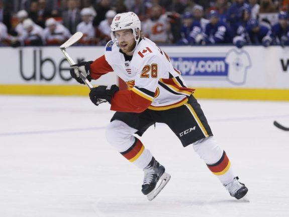 Calgary Flames Elias Lindholm