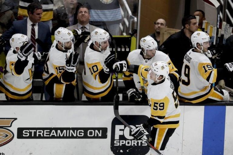 Jake Guentzel Pittsburgh Penguins bench