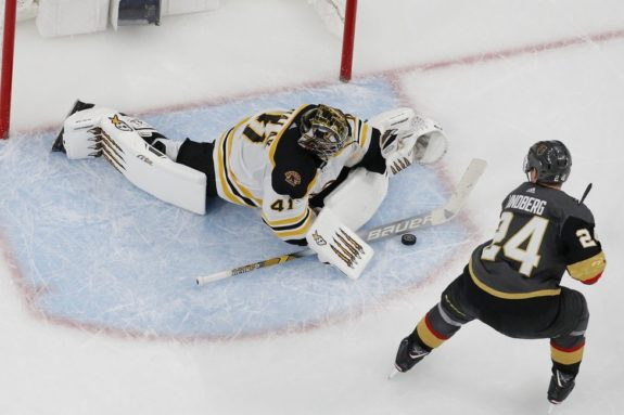 Boston Bruins Jaroslav Halak Vegas Golden Knights Oscar Lindberg