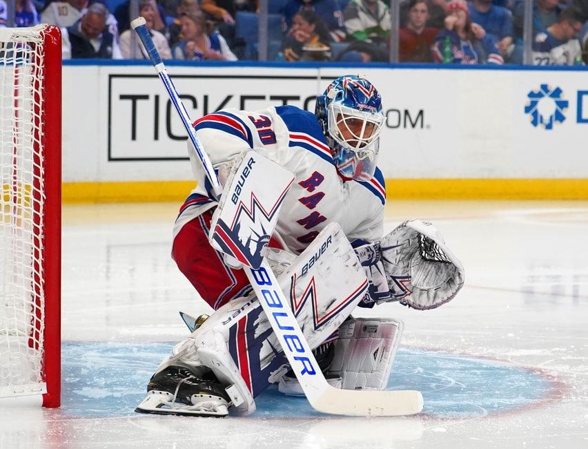 Lundqvist Ties Jacques Plante on NHL Wins List, Rangers Beat Canucks