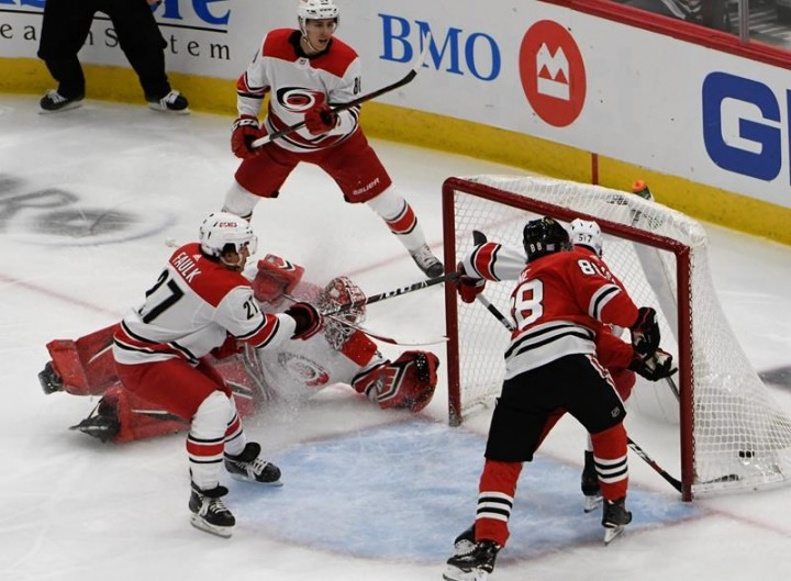 Carolina Hurricanes vs Chicago Blackhawks