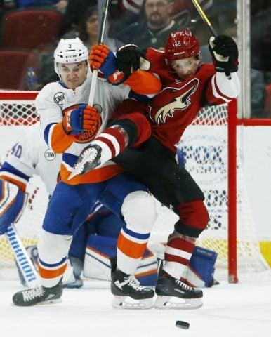 New York Islanders Adam Pelech Arizona Coyotes Josh Archibald
