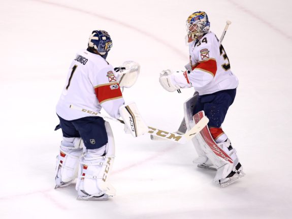 Florida Panthers goalie Roberto Luongo (1) replaces goalie James Reimer