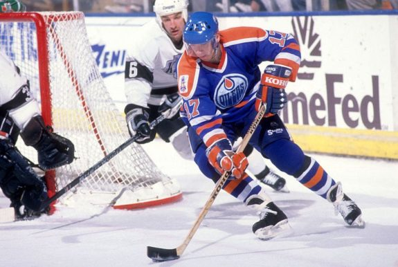 Jari Kurri #17 of the Edmonton Oilers