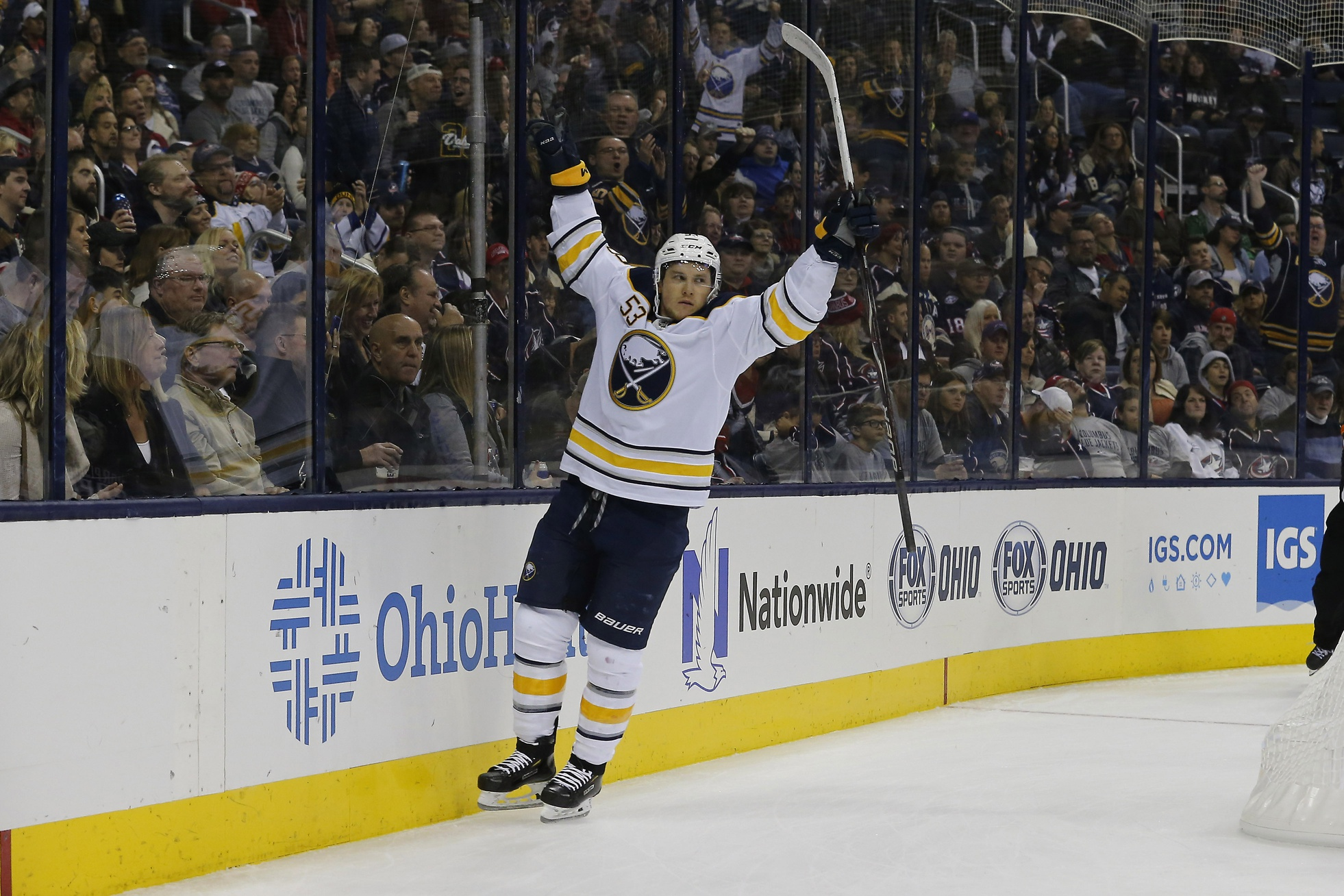 Sabres left wing Jeff Skinner