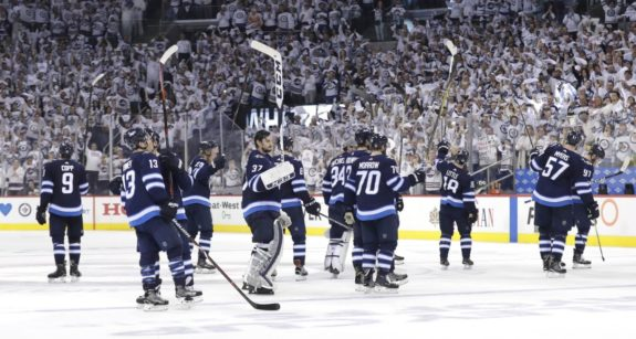 Winnipeg Jets salute their fans