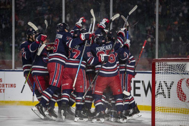 Winnipeg Jets Calgary Flames NHL Heritage Classic