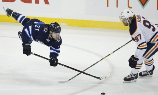 Jets Win 3rd Straight With Victory Over Oilers