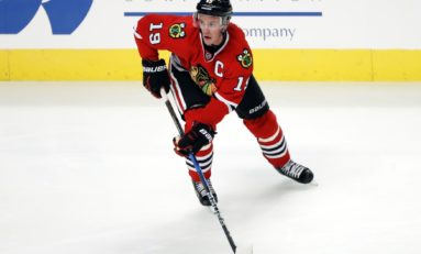 Jonathan Toews: To Wing or Not to Wing?