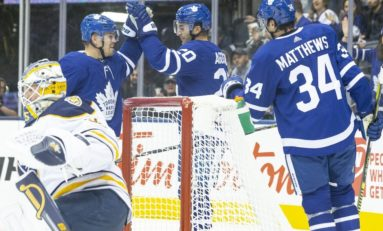 Matthews Helps Maple Leafs Down Sabres 3-0