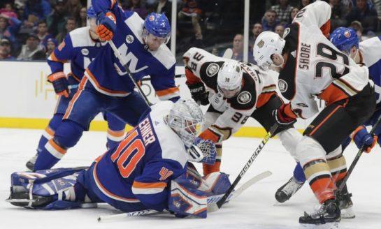 Islanders Blank Ducks for 5th Straight Win