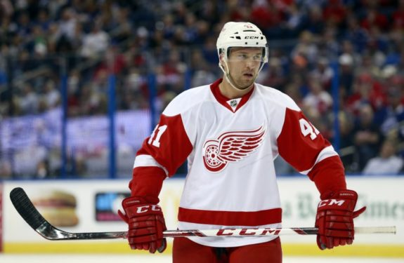 Luke Glendening, Red Wings Sign Luke Glendening, Detroit Red Wings, NHL