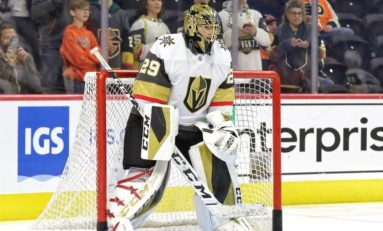 Fleury Returns, Leads Vegas to 5-1 Win over Blackhawks